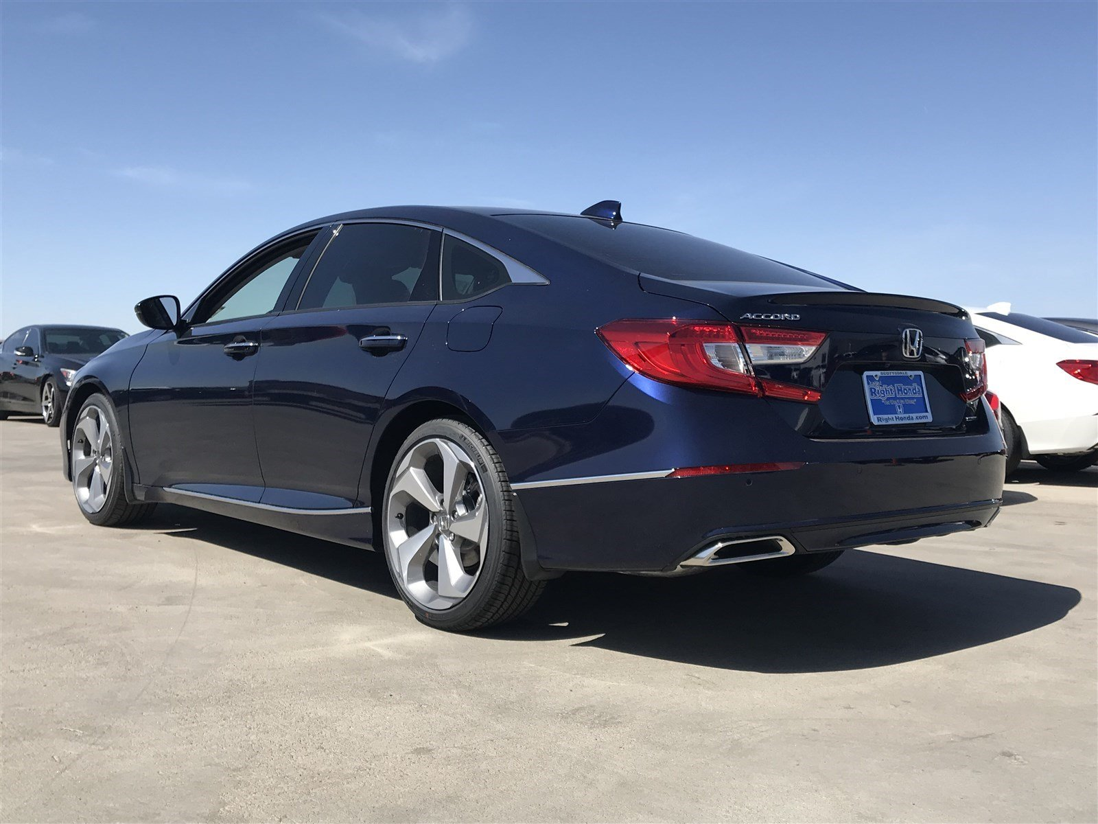 New 2018 Honda Accord Touring 1.5T